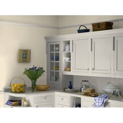 Jasmine White Dulux paint - available now at Homebase in store and online at homebase.co.uk.
