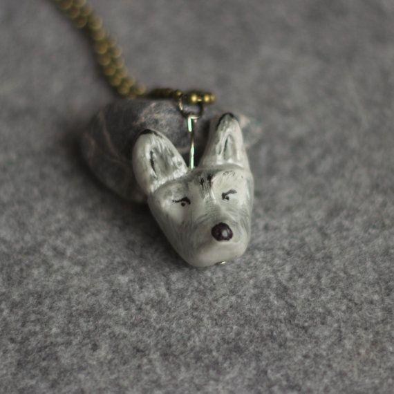 Colgante lobo por Palbody en Etsy