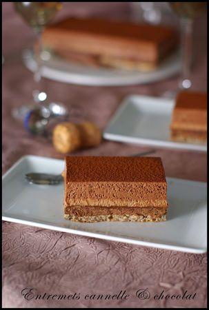 ntremets croustillant à la mousse au chocolat au lait cannelle, mousse chocolat noir Par talon haut et cacao