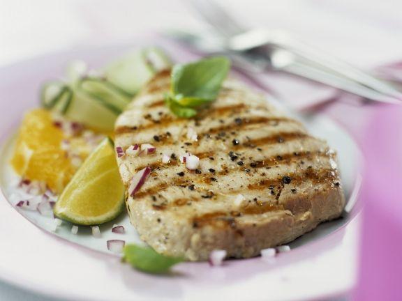 Thunfischsteak vom Grill ist ein Rezept mit frischen Zutaten aus der Kategorie Meerwasserfisch. Probieren Sie dieses und weitere Rezepte von EAT SMARTER!