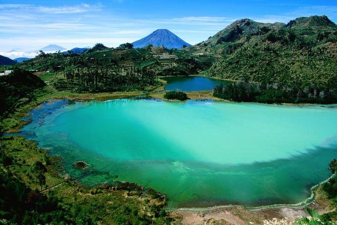 Dieng Plateau im Indonesien Reiseführer http://www.abenteurer.net/1831-indonesien-reisefuehrer/