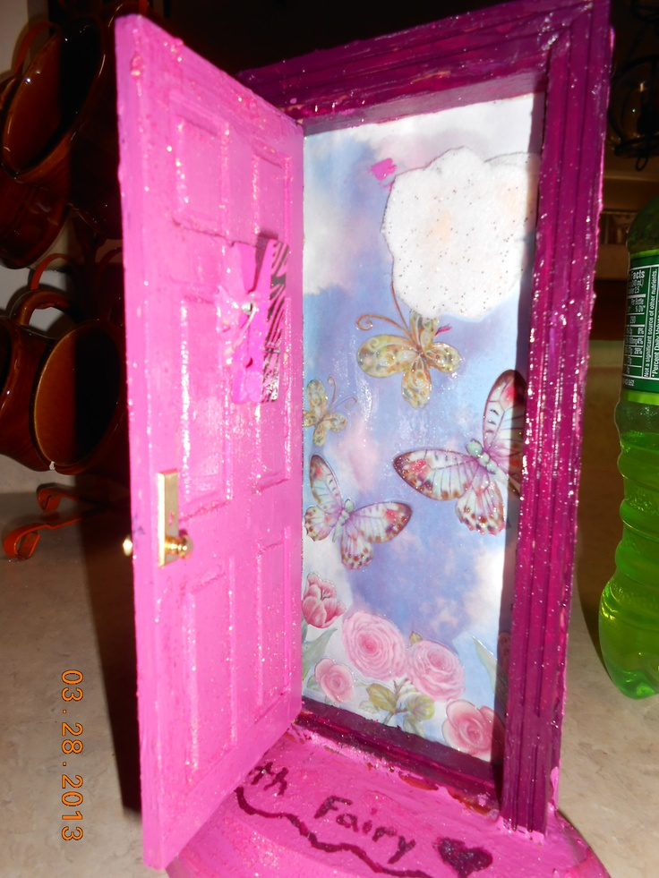 17 best images about tooth fairy doors on pinterest for Fairy door with fairy