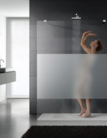 Shower-screen in transparent and satin-finish glass. Collection Madras Limited.
