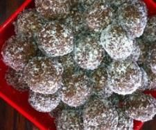 Recipe Date Balls by arwen.thermomix - Recipe of category Desserts & sweets