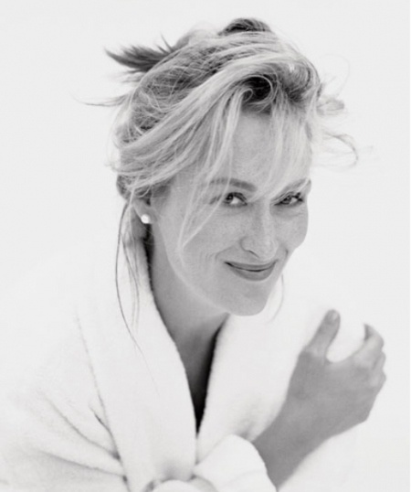 Meryl Streep with freckles! When I was 22 I looked like her...briefly...but I did.  :)