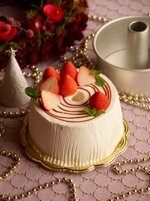 Christmas decoration chiffon cake