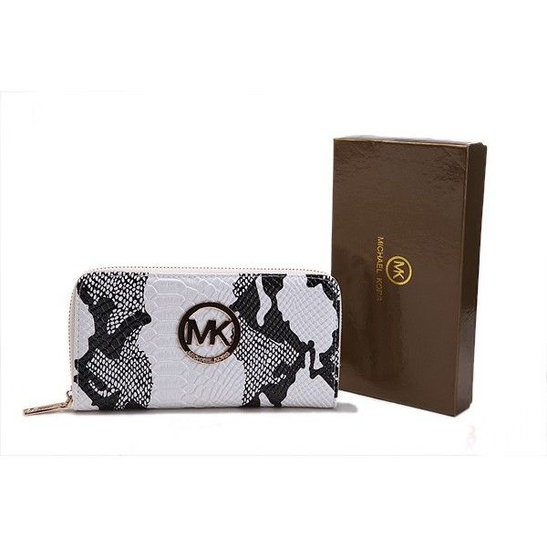 Michael Kors Wallet, oh I want!