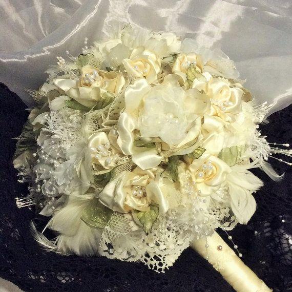 Romantico matrimonio-sposa fiore fiori Bouquet-avorio & White-Sposa tessuto Bouquet-spilla Bouquet da sposa-spose fiori-vittoriano-Boho-Gatsby
