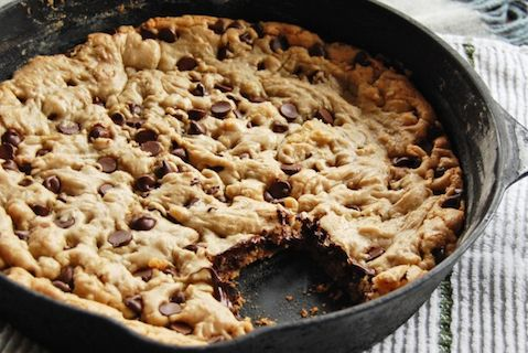 Top 10 chocolate chip desserts. Chocolate Chip Skillet Cookie: Chocolate Chips, Sweet, Skillet Cookies, Chip Skillet, Cookie Recipe, Skillets, Dessert