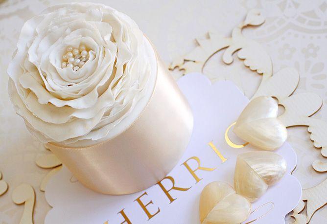 Gorgeous!!Wedding Inspiration, Individual Cake, Decor Minis Cake, Cupcakes Tins, Cake Wedding, Gorgeous Cupcakes, Beautiful White, Mini Wedding Cakes, Mini Cakes
