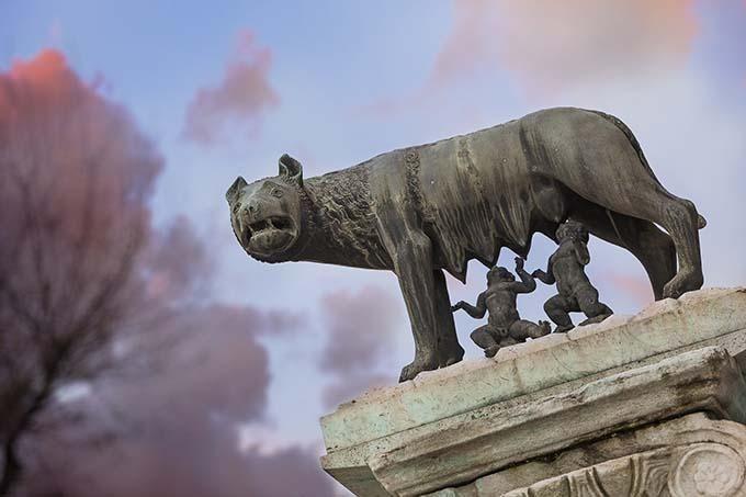 La-loba-romana-con-romulo-y-remo
