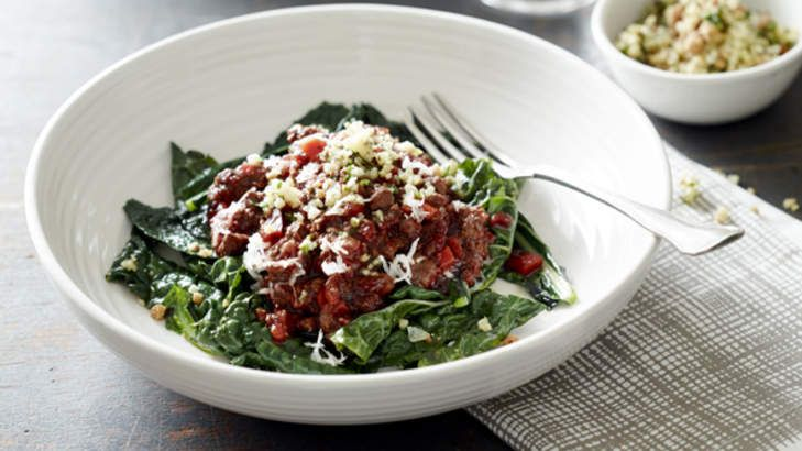 Paleo bolognese with kale! You can use grass-fed beef mince, or kangaroo or emu mince for this sauce.