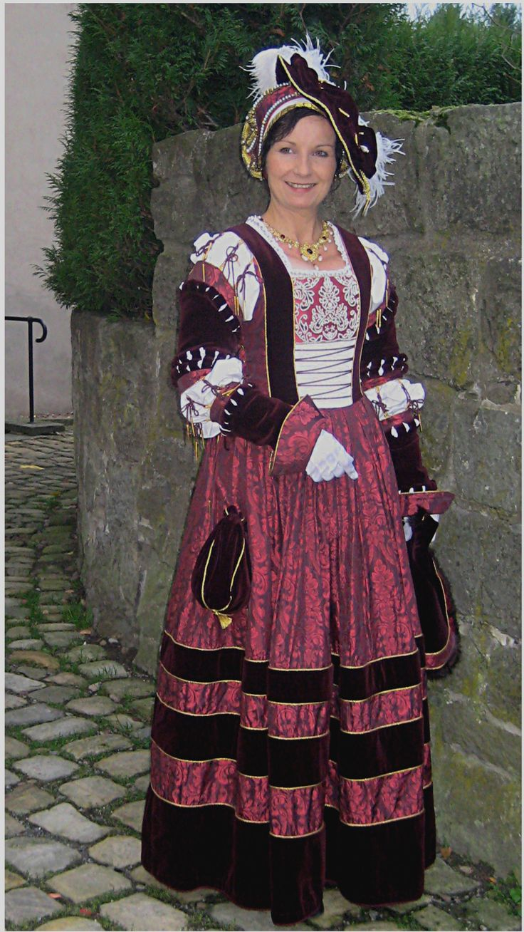 The dress agency horncastle - Nobility Dress Made Of Silk Damask In Pomegranate And Velvet Brustflect With Beadwork Background