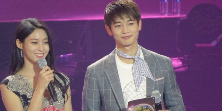 SHINee's Minho and AOA's Seolhyun partner up as the MC's of '2017 Global Peace Concert' in Manila http://www.allkpop.com/article/2017/03/shinees-minho-and-aoas-seolhyun-partner-up-as-the-mcs-of-2017-global-peace-concert-in-manila