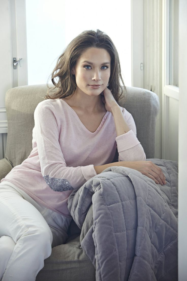 Florence Desitgn rosè pullover in linnen with shiny silver details - wear it classy. <3