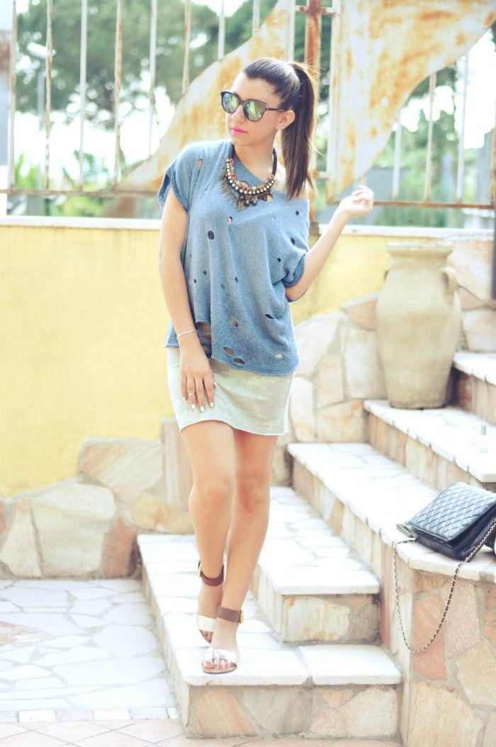 sabrina musco dress t-shirt sandals summer outfit sunglasses mirror