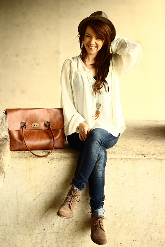 Flowey blouse, skinny jeans, ankle booties and fedora hat...comfy but stylish