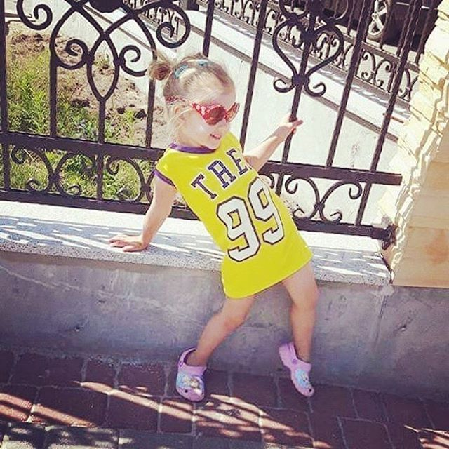 Little #trecgirl born with a #fashion sense :) Wyczucie stylu od dziecka :) #stylizacja #stylizacje #stylisation #moda #style #styl #trec #summer #lato #wakacje #fitnessfashion #fitness #fit #polishgirl #kid #child #dziecko #dziewczynka #małamiss #littlemiss #miss #sun #słońce #supergirl #modelka #model #motywacja #motivation  @paulek__ @trecwear @trecnutrition