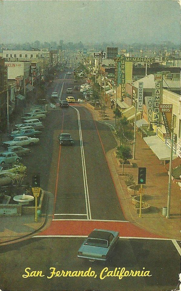San Fernando Rd in downtown San Fernando.
