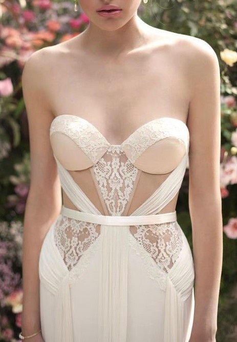 Love the bodice of this dress. Like the texture of the different fabrics. Would prefer all same colour though.