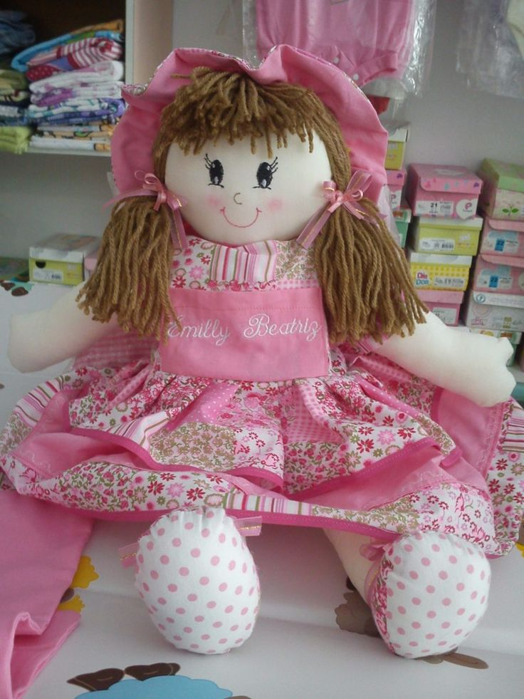boneca de pano 50 cm personalizada com nome e rosto bordado