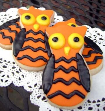 Halloween Chevron Owl Sugar Cookies by pfconfections for $18.00