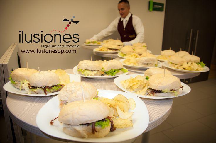 Organizadores de eventos sociales y empresariales www.ilusionesop.com refrigerios empresariales