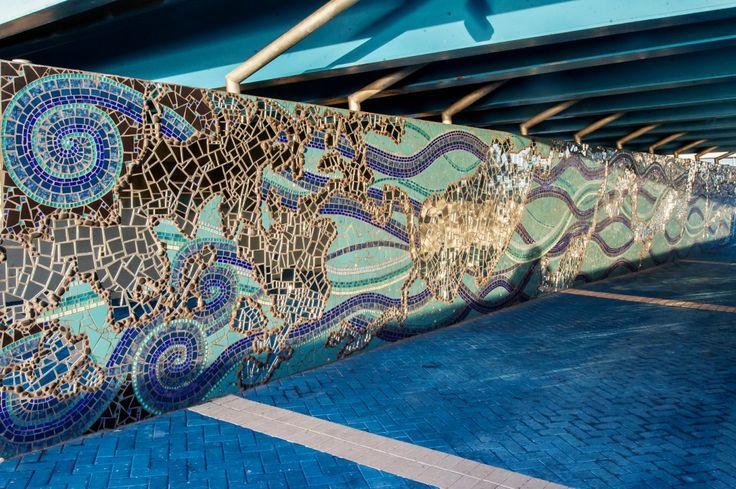 """Roux Art's """"Mirrored River"""" mural on Jacksonville's"""