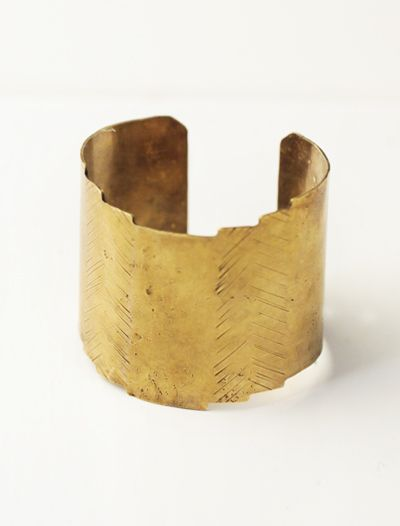 BRASS TEMPLE CUFF