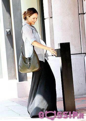 Pregnant Jessica Alba (350×492)