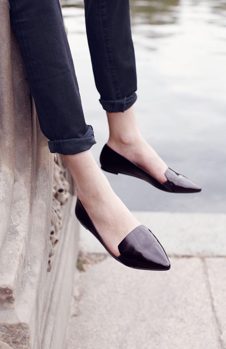 « Donne à une fille les bonnes chaussures et elle peut conquérir le monde »  Marylin Monroe