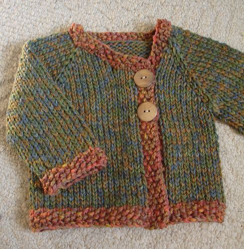 Free pattern, knit in one piece, top down.  Sizes 6 mo, 12 mo, 18 mo.