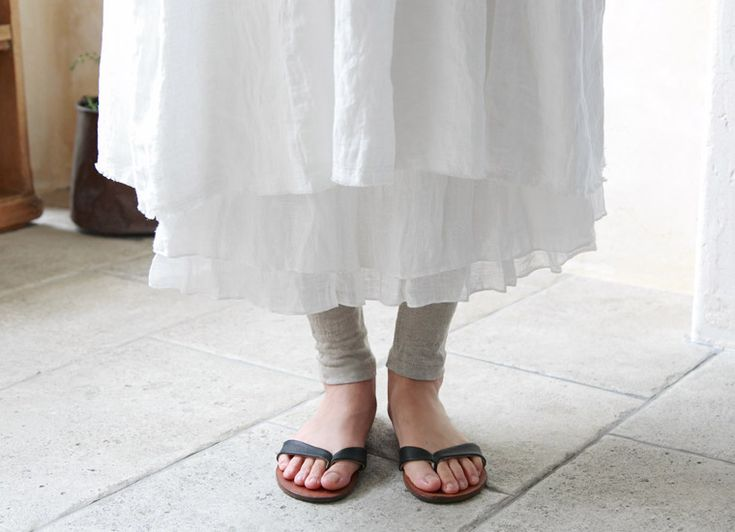 【 nest Robe / ネストローブ 】プレス滝口さん直伝 リネンデニムカシュクールワンピースの着こなし | ナチュラル服や雑貨のファッション通販サイト ナチュラン