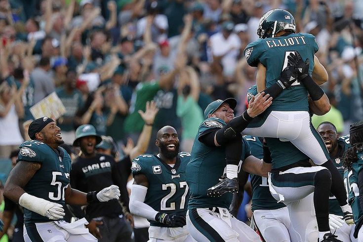 With the Eagles approaching the playoffs what was ur favorite moment from the season? Mine was the Elliott field goal vs the Giants. What a moment. What a game. ------------------------------------------ TAG 3 FRIENDS TO GROW PAGE  ------------------------------------------------#eagles #philly #philadelphia #carsonwentz #alshonjeffery #flyeaglesfly #acl #acltear #aclsurgery #nfl #football #nfc #thelinc #lincolnfinancialfield #gobirds #fuckdallas #merrychristmas #xmas #dallascowboys…