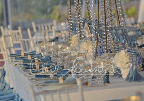 Matrimonio regale in costiera Sorrentina. La sala del pranzo nuziale raffinata e dai toni retrò.