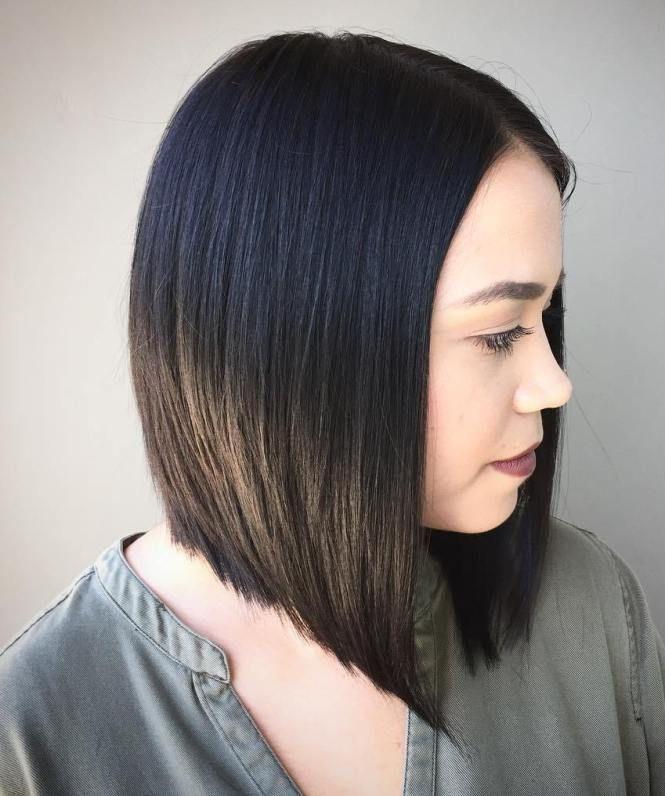 Ravna paž frizura srednje dužine
