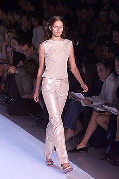 DKNY Spring 2000 Ready-to-Wear Fashion Show - Lindsay Frimodt, Donna Karan