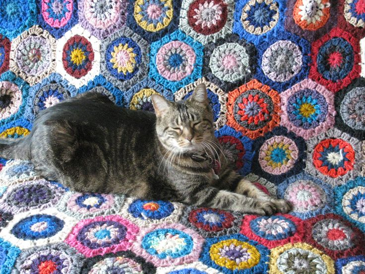 Ravelry: Hexagon How-To by Lucy of Attic24
