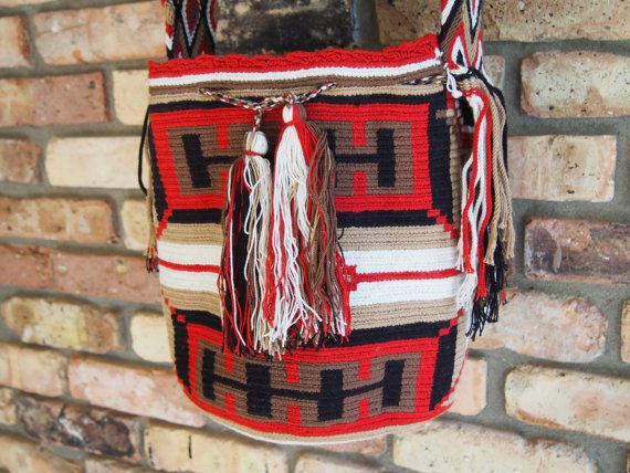 One of the handmade mochillas from Buena Onda's Tierra Collection 2014. Click to purchase direct from the Etsy Store!