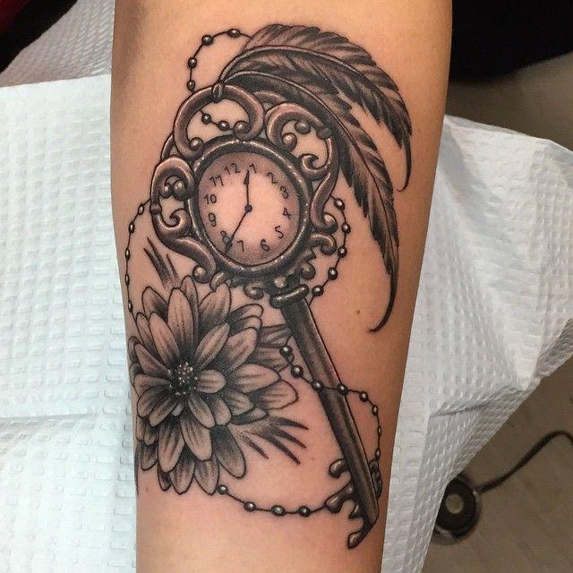 #tattoo #winnipegtattoo #clock #inkingthorne #keys #flower #getinkedwinnipeg