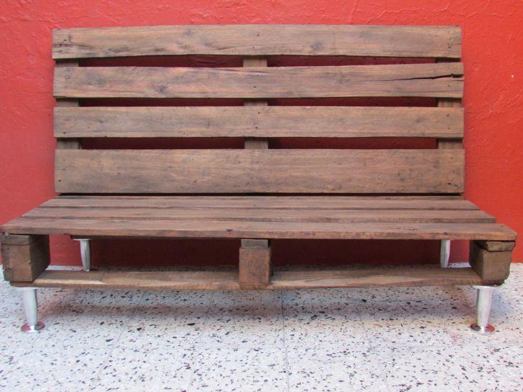 silln para jardn realizado con pallets con patas de aluminio