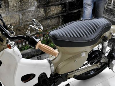 CRAZE Cobra Seat for HONDA C70 no.1 Custom Seat for HONDA CUB C50, C70, C90