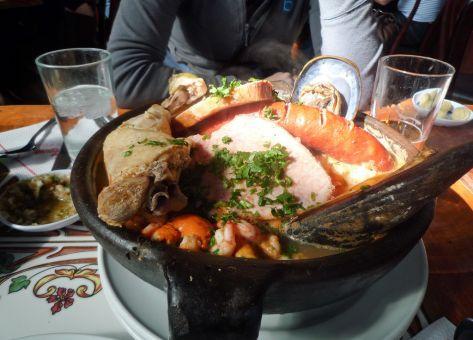 Esta es la Receta tradicional del Curanto en Olla o Pulmay, con sus Ingredientes y el Modo de Preparación paso a paso.