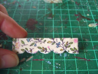 How to make a window pelmet (glue fabric on front and back)