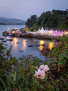 Harbour ༺✿ Portree, Scotland. allora un giorno faccio un dolcetto solo per te e lo mangi però