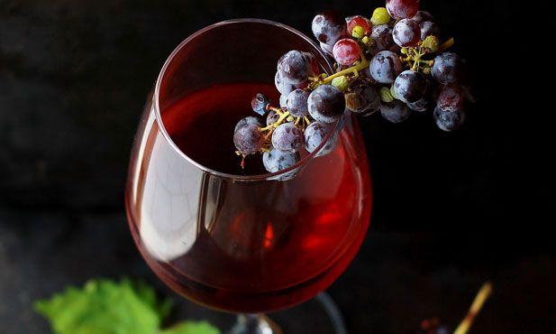 O mundo dos vinhos é também complexo e, por vezes, torna-se difícil perceber toda a terminologia associada. Consulte este pequeno glossário e descubra mais.