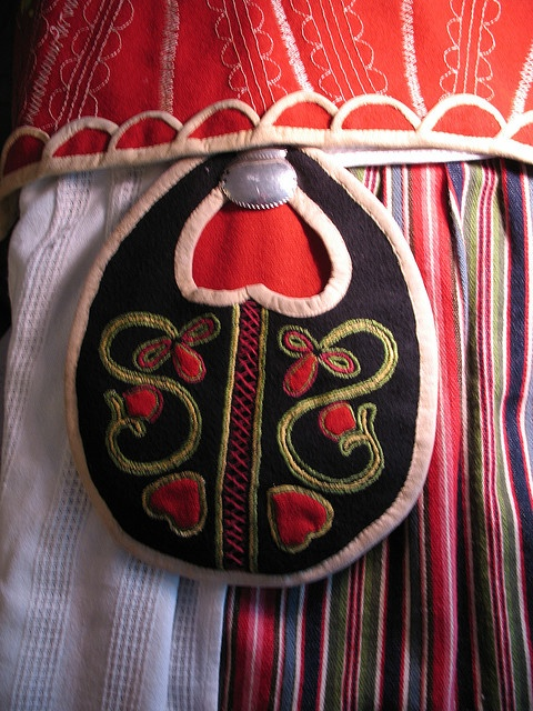 Traditional Swedish embroidered waist-pocket -sweet!