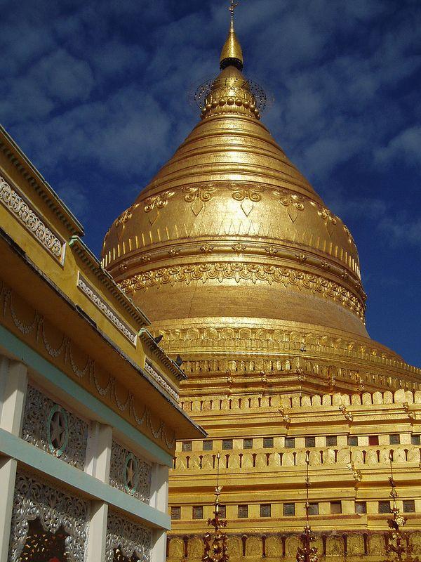 Golden Stupa, Shwezigon Temple, Nyaung U, Myanmar
