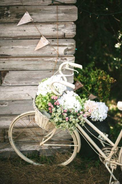 Το ποδήλατο στη γαμήλια διακόσμηση   Jenny.gr