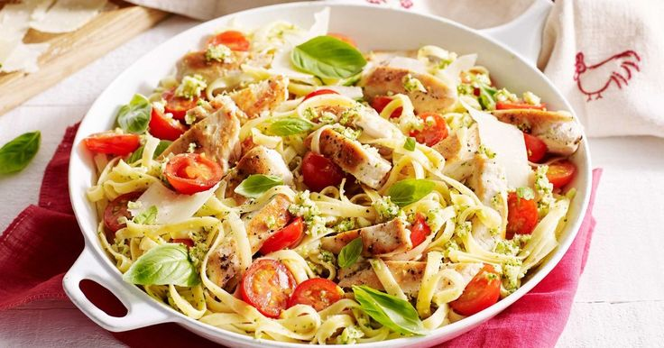 For a 30 minute meal the whole family will enjoy, try this tasty chicken and broccoli pesto pasta.
